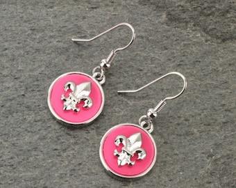 Fleur De Lis Earrings Silver/Pink