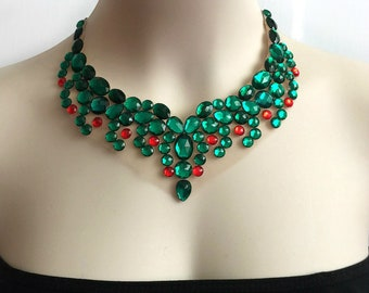collar bib tulle necklace emerald green and red