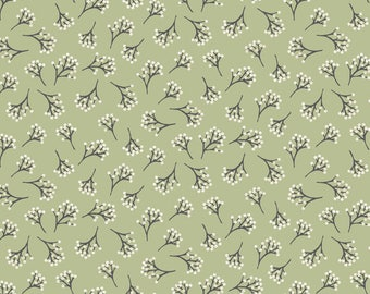 Into The Woods - Berry in Green - Fat Quarter