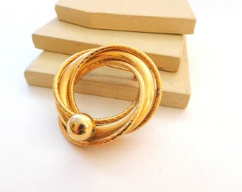 Vintage Modernist Gold Tone Infinity Circle Knot Brooch Pin H26