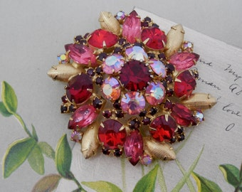 Vintage Red & Gold Rhinestone Dome Brooch    KCP35