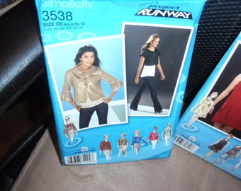 Simplicity 3538 Project Runway Jacket Pattern in Two Lengths with Collar and Sleeve Variations Size 4-12 or 12-20  New  Uncut