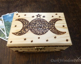 Tarot box ~ triple Moon Magick ~.