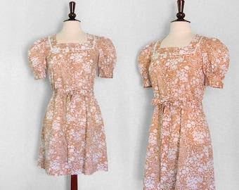 Vintage 1970s white on beige floral mini dress