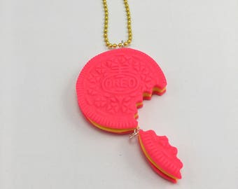 Pink Oreo Cookie Necklace - Bright Cookie Necklace - Fake Food Jewelry - Kids Jewelry - Girls Jewelry - Kawaii Necklace - Party Favour -