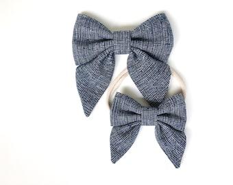 Mini sailor bow linen // The Mini Sailor