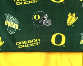 Oregon Ducks Fleece Blanket/ UoO Ducks/ Sports bedding/ go ducks go/ Ducks blanket/ ducks fleece
