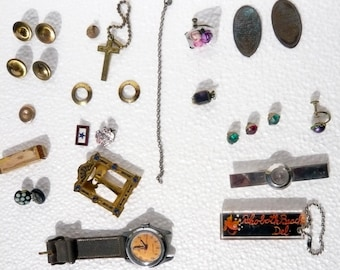 Vintage Treasures - Mixed Stash – Buttons – Frame - Watch