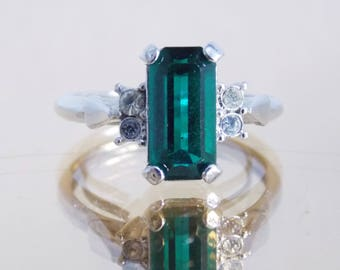 vintage green and clear rhinestone ring/ 1950s silver tone ring/rockabilly classic costume jewelry /adjustable size