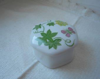 stunning vintage porcelain pill / trinket box