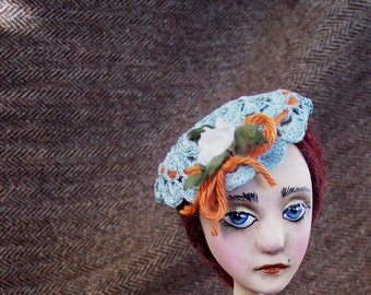 Painted Lady chandelier Doll : Olive