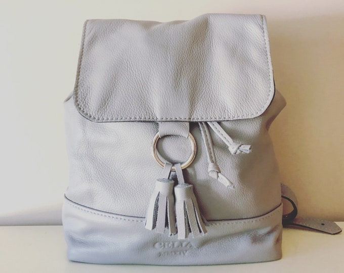 The Evelyn Backpack. Large Leather Drawstring Backpack. Handmade. Leather Bucket Bag.