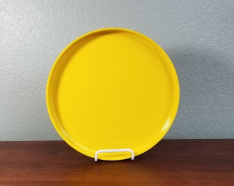 One Yellow Heller Stackable Dinner Plate