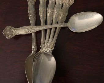 VINTAGE grape 1847 Rogers set/6 teaspoons in good condition with monogram