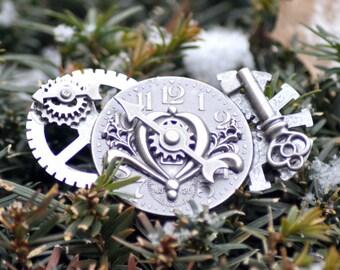 Silver Steampunk Brooch, Silver Brooch, Silver Victorian Brooch, Cloak Pin, Clockwork Jewelry , Steampunk Jewelry, Skeleton Key Jewelry,