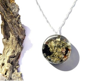 nature jewelry, moss jewelry, sterling silver, moss pendant, resin jewelry, resin and moss necklace, nature lovers, unique gift