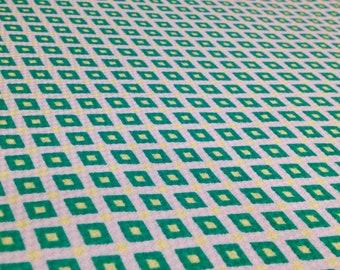 Cotton piqué diamond print green and yellow - 50 cm