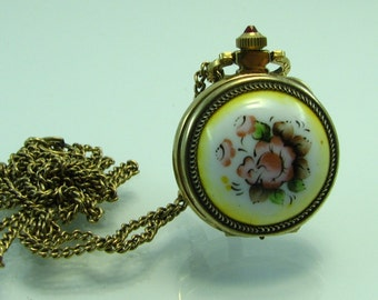 New Rare beautiful USSR Gold plated ladie's Necklace watch Chaika 17 JEWELS Enamel