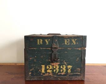 ALL ABOARD! Rare Antique 1930s Railway Express Agency Wood Messenger's Kit Box - Dark Green - Yellow Lettering - Vintage Industrial Storage