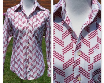 Vintage 70s Shirt, Wide Pointed Collar, Polyester, Burgundy Dots on White, Geometric Design, Button down, Prince Rinaldi,