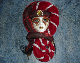 In very good condition wall hanging Venetian mask