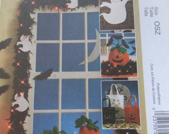 Sewing pattern McCall's 5949 Ghosts, bats treat bags and pumpkins new uncut