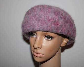 Lovely Vintage Kangol Angora blend dusky pink, wool beret hat  In very good condition