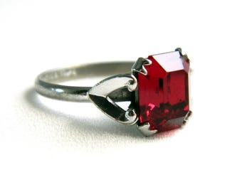 Vintage Silver Garnet Solitaire Ring - Antique Uncas Ring - Faceted Red Glass Paste -  Size 6.5 - Estate
