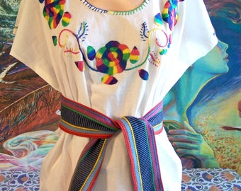 Mexican Blouse, Embroidered Blouse, White Blouse, Flower embroidery, Frida Kahlo size L/XL