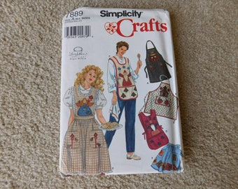 Simplicity Pattern 7889 Misses' Apron With Pockets Pattern