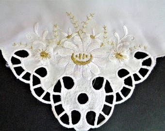 Vintage 70s Wediing Handkerchief, Embroidered Wedding Hanky, Lace Hankies, White Golk Floral Bridal Handkerchief, Bridal Shower Gift, 10''