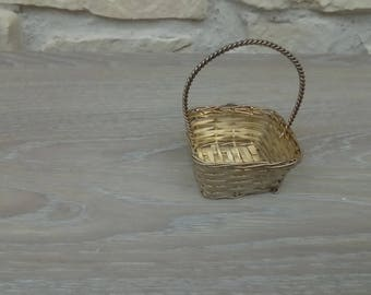 Decorative metal basket