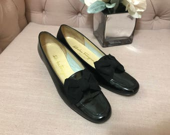 Beautiful Vintage Black Patent Leather Salvatore Ferragamo Shoes Size 6.5 With Black Bow Detail Excellent Vintage Condition from 1980's