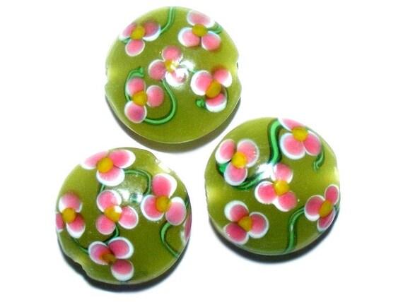 # 20 mm lampwork bead # shape lens # bead two-tone # color green/pink # handmade lampwork beads # flat round # DIY # dollydoo