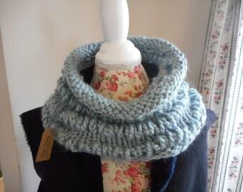 Womens Cowl/Chunky Soft Gray Infinity Scarf/ Womens Scarf/Chunky Knit Scarf/Knitted Cowl/