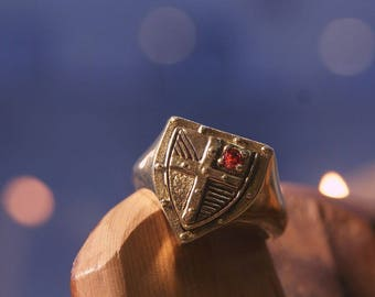 Medieval Royal Shield Ring with Gem - Historical Reenactment jewellery - Medieval Jewellery - Knight Jewellery - Free Shipping