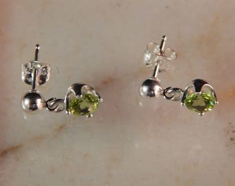 Dangle Earrings .925 Sterling Silver with 5mm Peridot #5573-9114