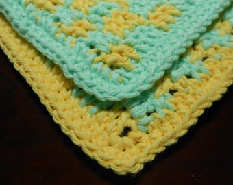 Two Crochet Cotton Dishcloths, Yellow and Green Gingham, Square Dishcloth, Kitchen Dishrag, Small Dishcloth, Cottage Chic Dishcloth