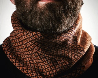 Scarf 100% Italian wool. Infinity scarf. Gift for him. Valentine's day. Unisex. Winter. Woollo handmade. Navy and brown