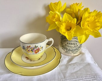 Vintage yellow Johnson brothers. Pareek. 1930's. Art Deco. Tea cup trio.