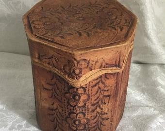 Adorable Rustic Trinket Box/Dresser Jar
