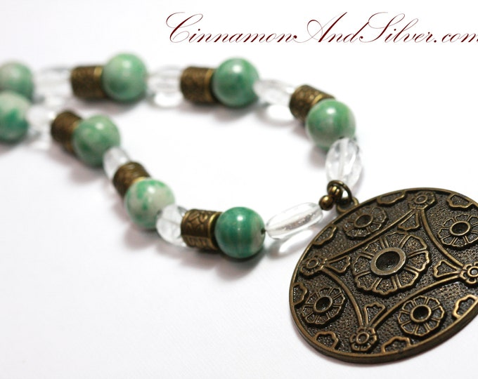 Green Jade Stone and Clear Quartz Beaded Pendant Necklace, Jade and Brass Chinese Statement Necklace, Beaded Gemstone Boho Necklace