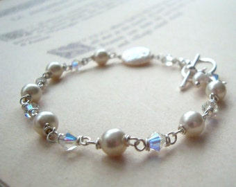Bridal Bracelet with Glass, Pearl and Crystal, Bridal Jewelry Pearl Jewelry Weddings Bridal Jewelry Gifts Under 50 Pearl Jewelry