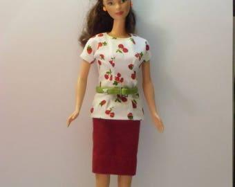 set 4 cherry barbie type dolls