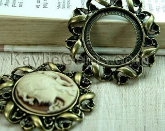 Antique Brass Cameo Cab Setting Frame Pendant Round Victorian Rhinestone Embellished  - FRM-5854AB - 2pcs
