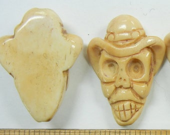 33x26x10mm hand carved skull with fedora hat, bone beads, one piece,  (CBB-12)