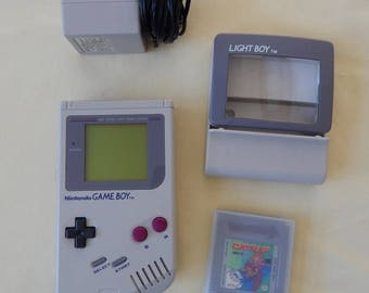 Vintage Original Nintendo Game Boy Console/Light Boy Attachment/Carrying Case and Catrap Game with Manual