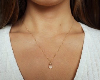 Crystal Necklace, Crystal Pendant, Crystal Quartz Necklace, Minimalist Necklace, Clear Crystal Jewelry, Minimal Jewelry, Quartz Jewelry