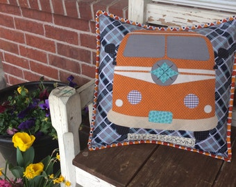 Keep on Groovin' pillow pattern by Sugar Sisters Design