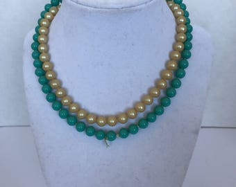 Vintage faux pearl and faux turquoise necklace chocker